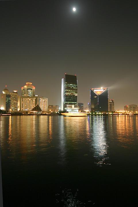 Dubaicreekatnight