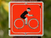 895170_bicycle_trail_marker